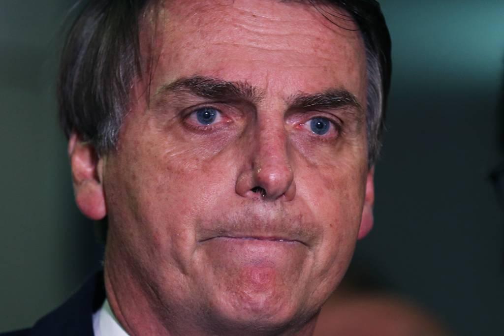 """23925862 2 - Bolsonaro: """"Esse dinheiro de auxílio moradia eu usava pra comer gente, tá satisfeita agora ou não?"""""""