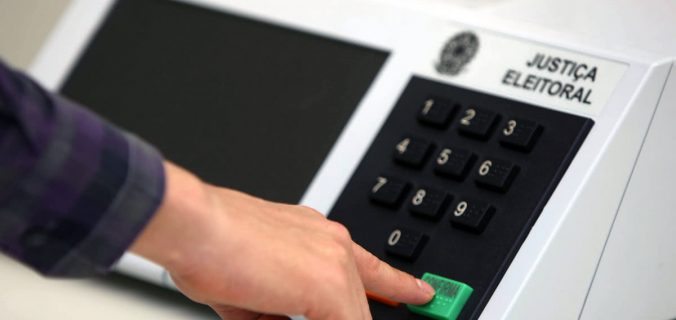 hackers justica eleitoral tse 676x320 - Hackers teriam invadido sistema eleitoral no Brasil e TSE investiga