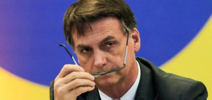 6d8267be404c51b943379246d1b58a41e68a50bb 1 676x320 - #ForaGuedes: Ministro diz que pode renunciar e Bolsonaro diz que ninguém é obrigado a ficar