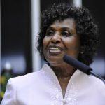 """Rio: continuar """"enxugando gelo"""" ou combater a raiz da violência? – Artigo da deputada Benedita da Silva"""