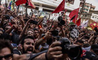 DaMe0FTXcAAZWPq 338x210 - Frentes populares marcam atos pró-Lula em todo o país até 1º de maio