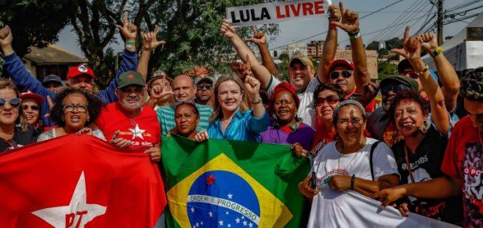 img 9359 780x440 676x320 - Gleisi Hoffmann: o povo vai de Lula e o PT também