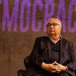 """Manuel Castells: Brasil vive """"ditadura sutil"""" com Bolsonaro"""