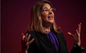Naomi Klein 338x210 - DOUTRINA DO CHOQUE
