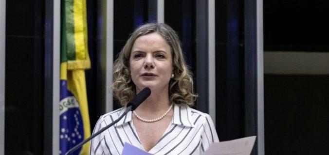 cropped gleisi hoffmann gabriel paiva  676x320 - Gleisi: desgoverno Bolsonaro pratica a 'ideologia do desmonte'